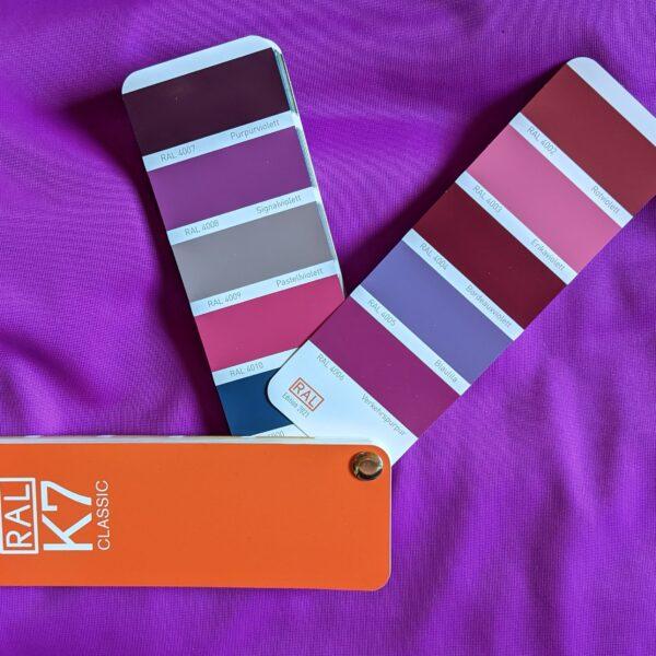 Violett-Tuchschlaufe-Yogatuch-Vertikaltuch.jpg
